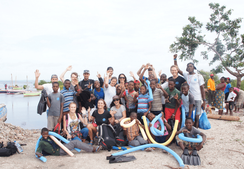marine-conservation-community-swimming