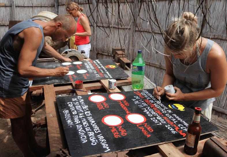 marine-conservation-volunteer-signs