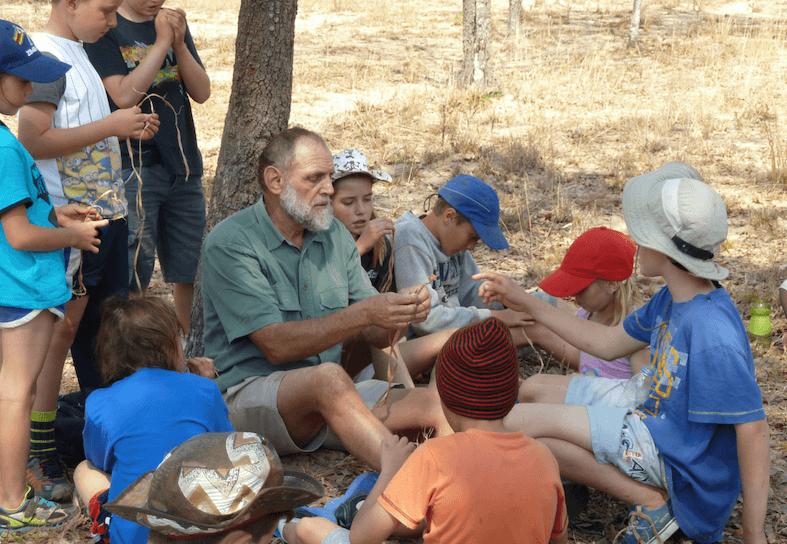 family-volunteers-bushcraft