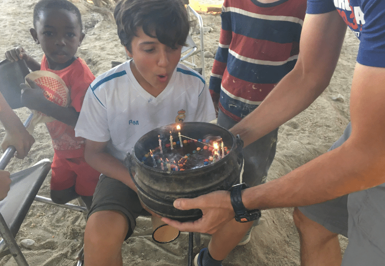 Family-volunteering-birthday