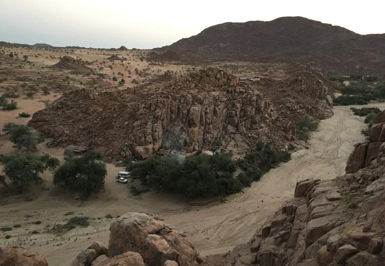 Family-volunteering-camping-namibia