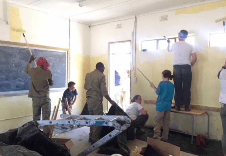 Family-volunteering-community-namibia