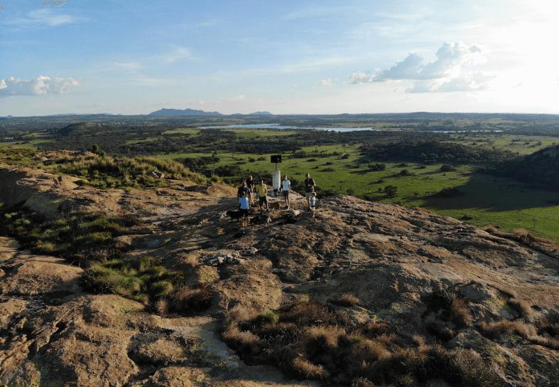 volunteers-hiking