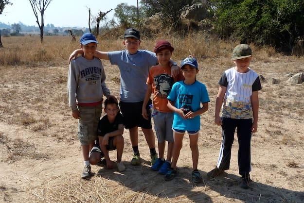 A group of children volunteering